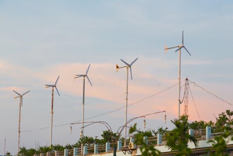 Unidades de energias eólicas pequenas fotografia de stock