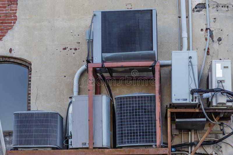 Unidades de la HVAC de Mujltiple fotografía de archivo libre de regalías