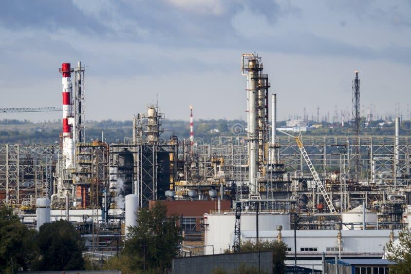 Unidades de la refinería de petróleo fotos de archivo
