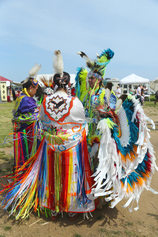 Unidentified Native American dancers at the NYC Pow Wow in Brooklyn. BROOKLYN, NEW YORK - JUNE 2:Unidentified Native American dancers at the NYC Pow Wow in royalty free stock photography