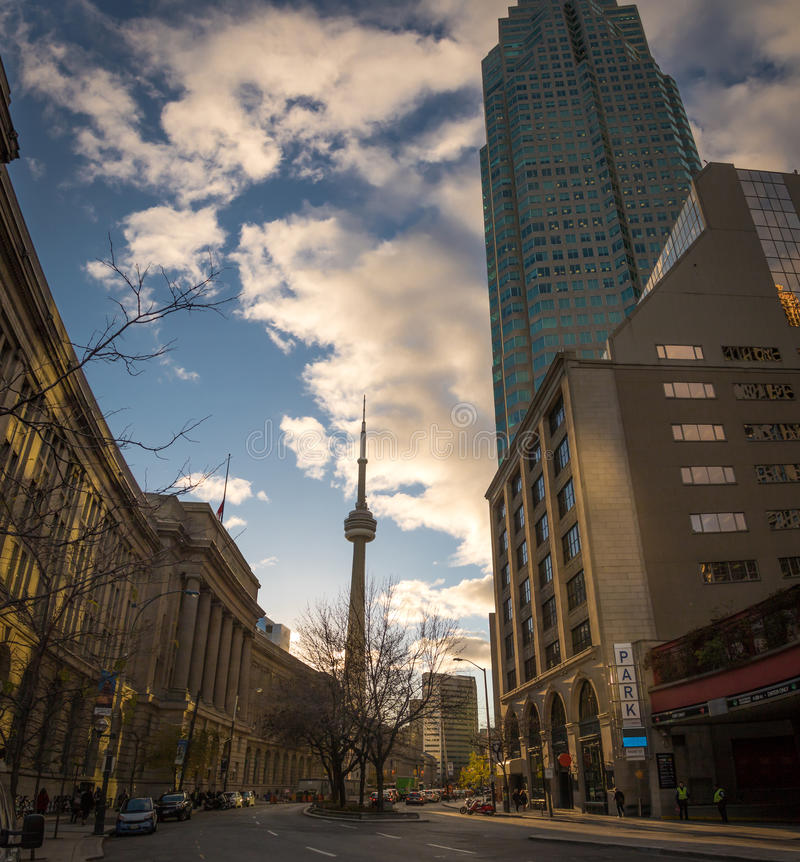 Unie Post en CN Toren - Toronto, Ontario, Canada stock foto's