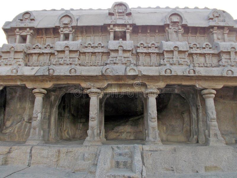 Unieke hand gesneden monumenten in Mahabalipuram stock foto's