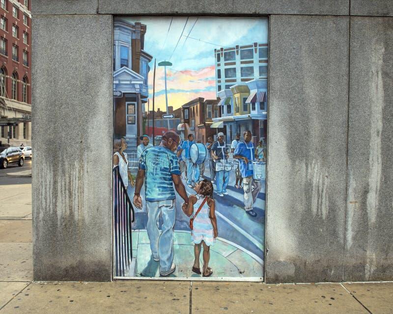 Unificando as culturas da vizinhança em Philadelphfia, da pintura mural por Joseph e por Gabriele Tiberino fotografia de stock royalty free