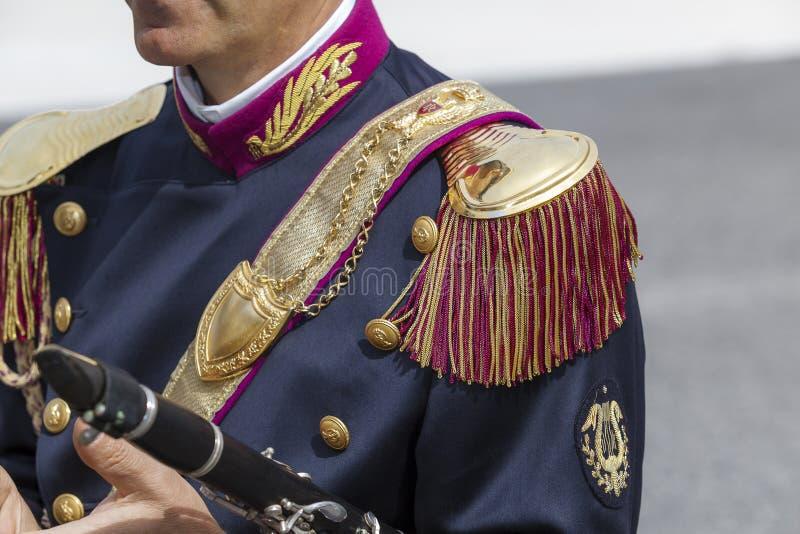Uniforme de la banda musical de la policía italiana, detalle foto de archivo libre de regalías