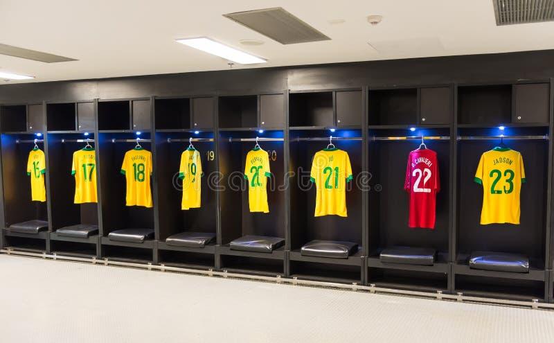 Uniforme del equipo de fútbol nacional del Brasil en el estadio de Maracana, Rio de Janeiro imagenes de archivo