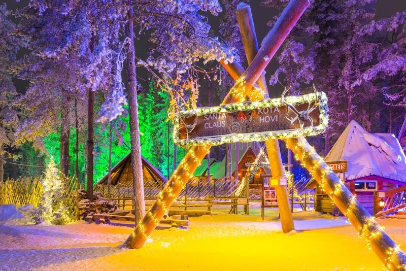 Unik igloo i Santa Claus Village i Rovaniemi i Lapland royaltyfri fotografi