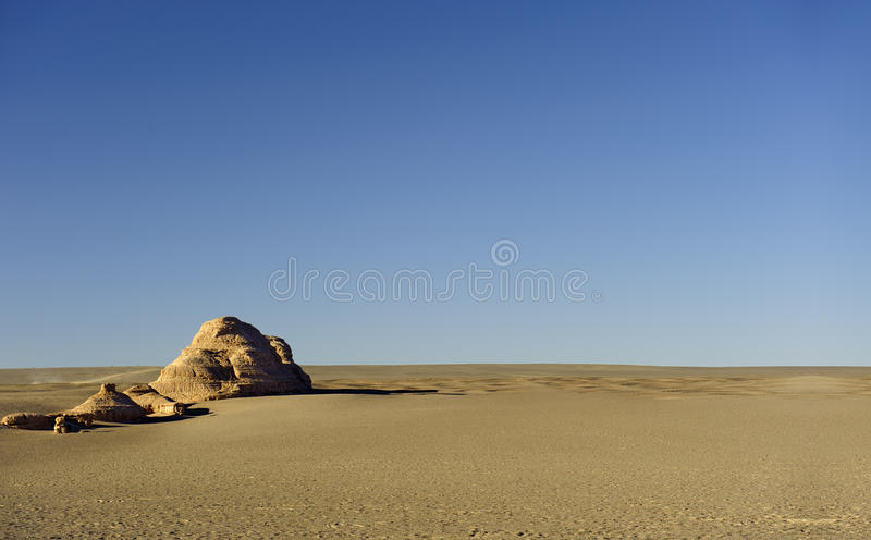 Download Unik Yadan Jordyttersida I Den Gobi öknen Fotografering för Bildbyråer - Bild av ogästvänligt, landforms: 27277487