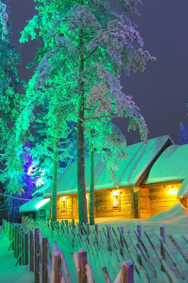 Unika Lapland Suomi hus över den polara cirkeln fotografering för bildbyråer