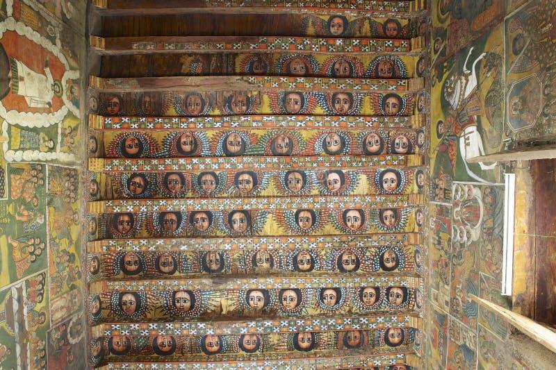 Unika takmålningar i den Debre Birhan Selassie kyrkan, Gondar, Etiopien royaltyfria bilder