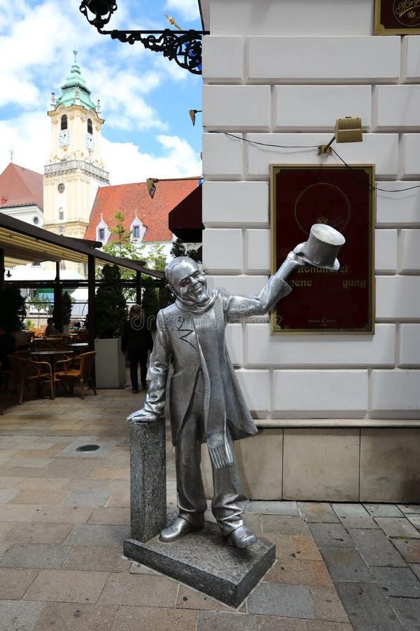 Unikalne ulicy stary Bratislava, fascynują urokiem, przytulnością i znakomitym piwem, obrazy royalty free