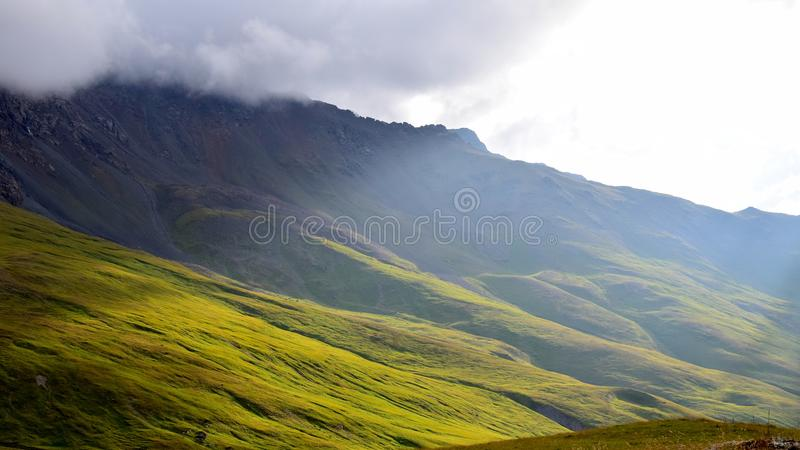 Unikalni krajobrazy Kabardino-Balkarian republika, Rosja obrazy royalty free