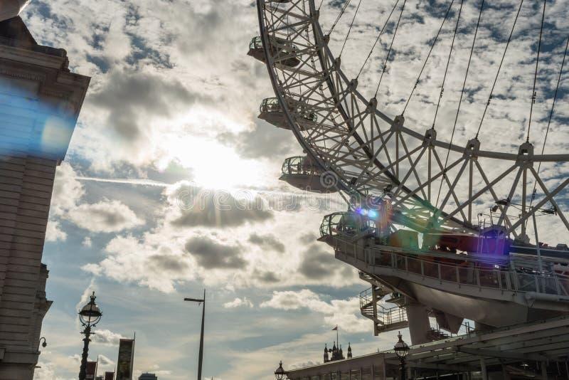 Unikalny widok baza Londyński oko obrazy stock