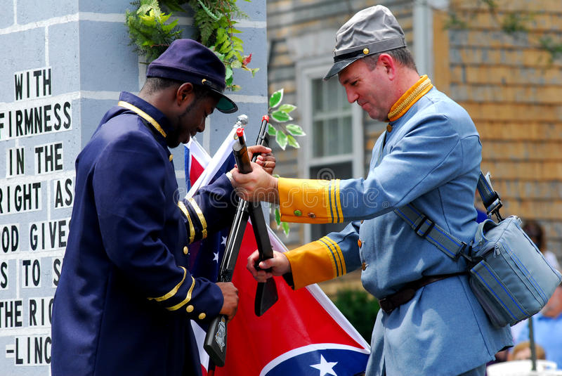 Download Union And Confederate Soldiers Editorial Stock Photo - Image: 21095693