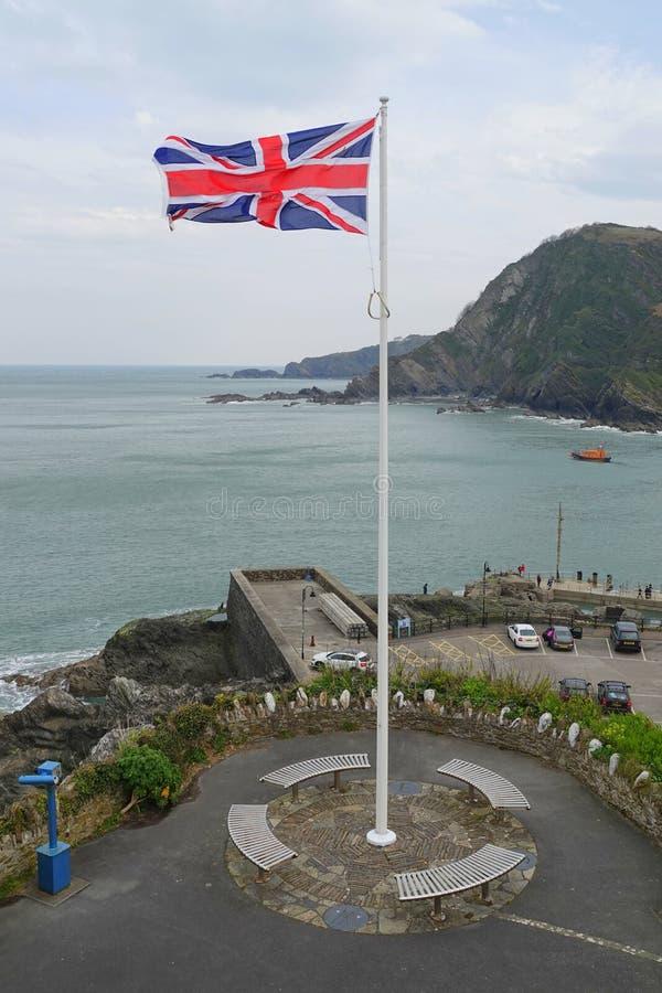 Union Jack-vlag die op vlagpool vliegen royalty-vrije stock foto's