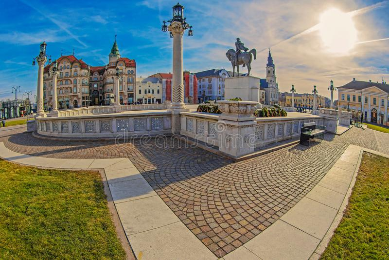 Union Square in Oradea, Roemenië met standbeeld van Michael Moedig royalty-vrije stock foto's