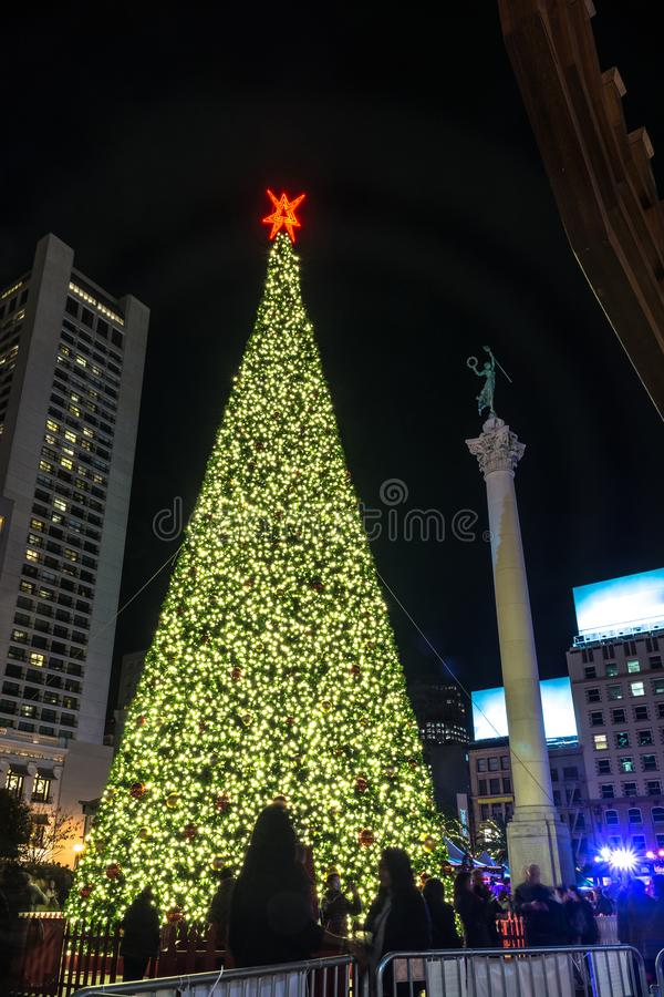 Union Square -Weihnachtsbaum bis zum Nacht, San Francisco stockfotografie