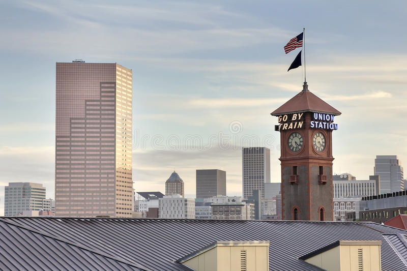 Download Union Station Portland Oregon Skyline Stock Photo - Image: 27559940