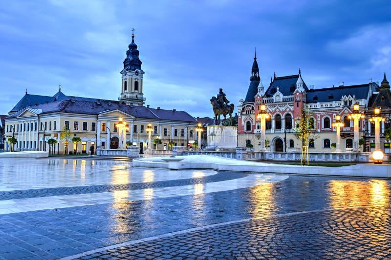 Unionfyrkant i Oradea, Rumänien fotografering för bildbyråer
