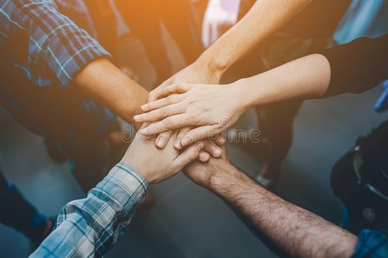 Unità, lavoro di squadra di collaborazione in un modo redditizio Idee di affari stabili fotografie stock