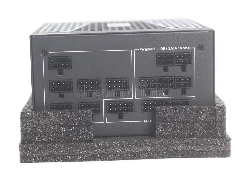 Unité d'alimentation d'énergie d'ordinateur d'isolement sur le fond blanc photographie stock libre de droits