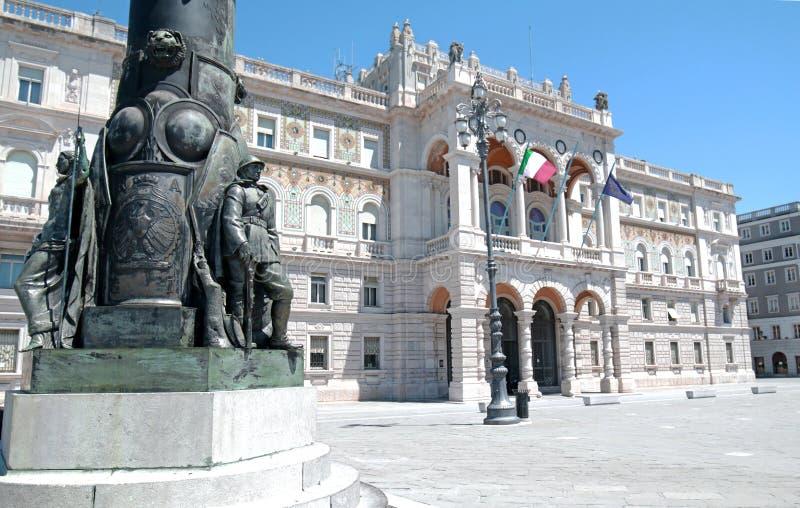 Unité de l'Italie de Di de l'UNITA de Piazza place de place de l'Italie de grande à Trieste, Italie Une ville de port maritime en images stock