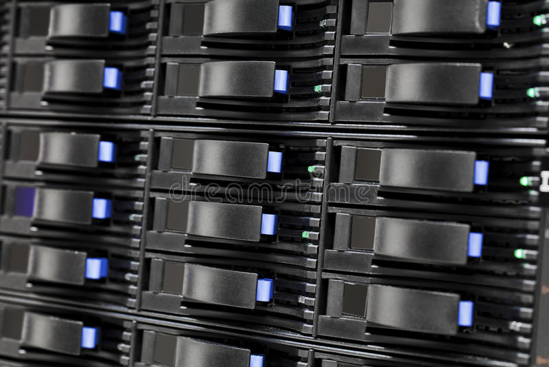 Download Unités De Disque Dur De Stockage De San Dans Le Grand Datacenter Photo stock - Image du réseau, milieux: 77154048