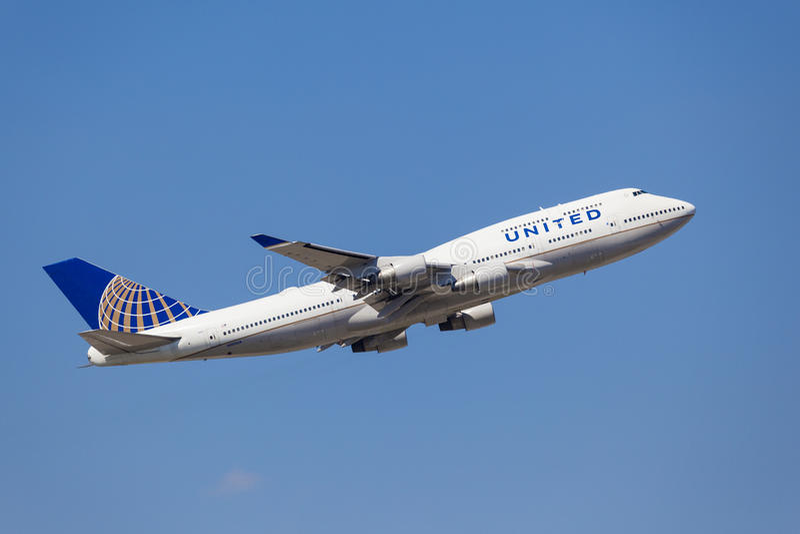 United Airlines Boeing 747 μετά από την απογείωση στοκ εικόνες