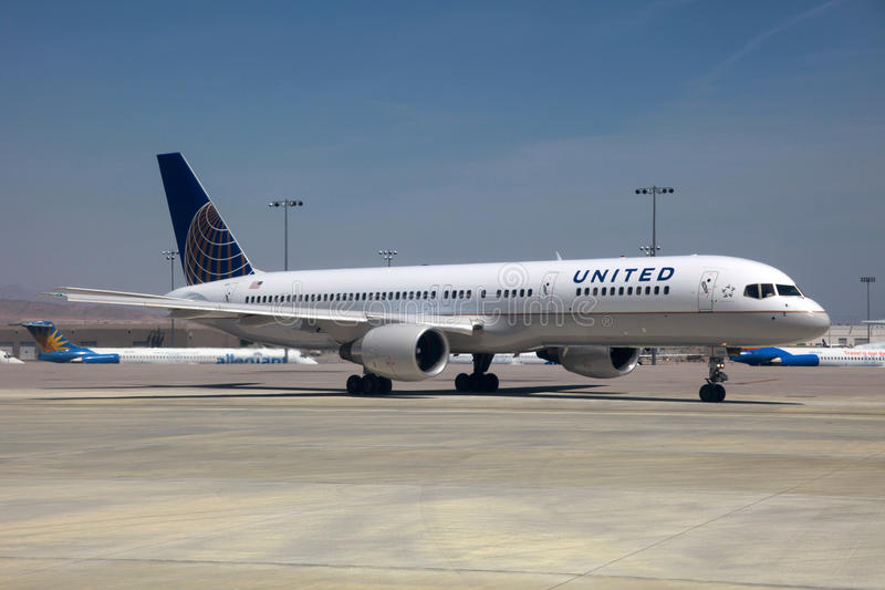 United Airlines Boeing 757 royalty free stock images