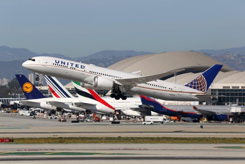 United Airlines Boeing 787-9 flygplanLos Angeles International royaltyfria foton