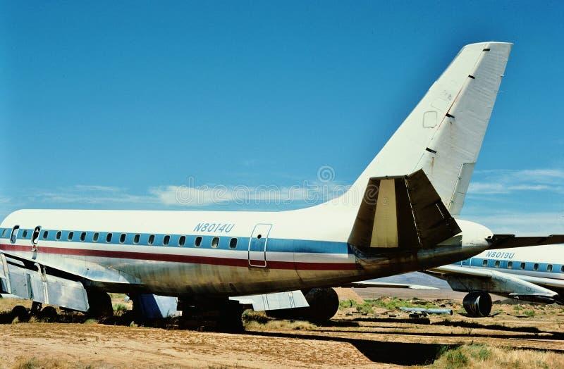 United Airlines Douglas gelijkstroom-8-21 N8014U Juli 1987 bij een vliegtuigenkerkhof in Kingman Arizona royalty-vrije stock afbeelding