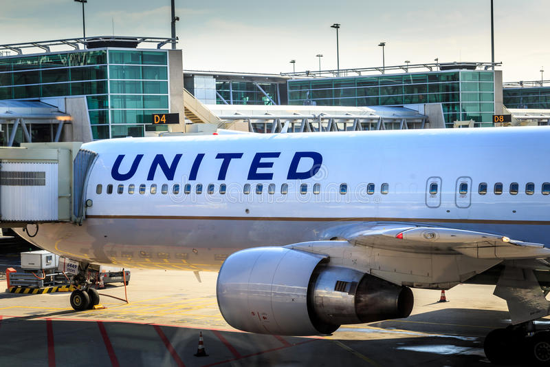 United Airlines jorra na porta imagem de stock royalty free