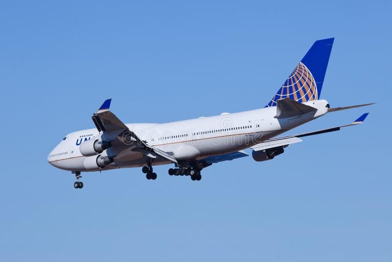 United Airlines N174UA, Boeing 737-400 που προσγειώνονται στο Πεκίνο, Κίνα στοκ εικόνα με δικαίωμα ελεύθερης χρήσης