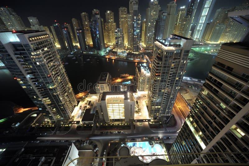 United Arab Emirates: Dubai-Skyline nachts stockbilder