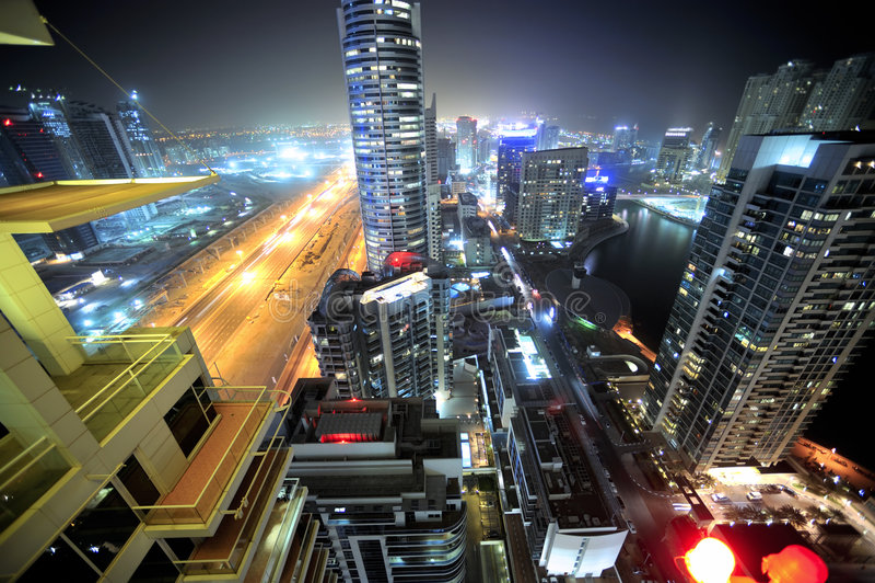United Arab Emirates: skyline de Dubai na noite foto de stock