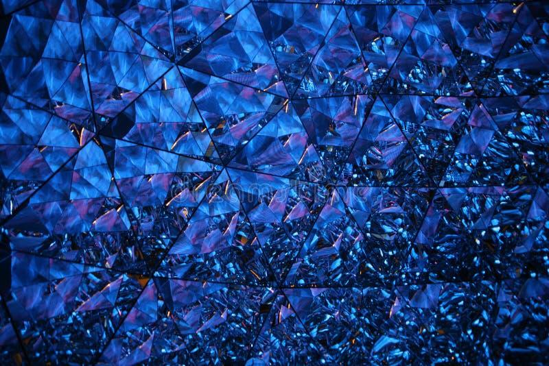Univers en cristal dans le bleu image libre de droits