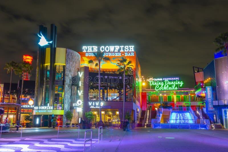 Universal Studios en la noche en Orlando universal, FL, los E.E.U.U. imagen de archivo libre de regalías