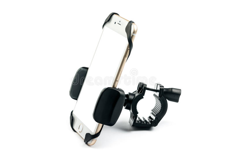 universele telefoonhouder voor automotor en fiets met geïnstalleerde lege het scherm gouden smartphone Geïsoleerdj op witte achte stock foto