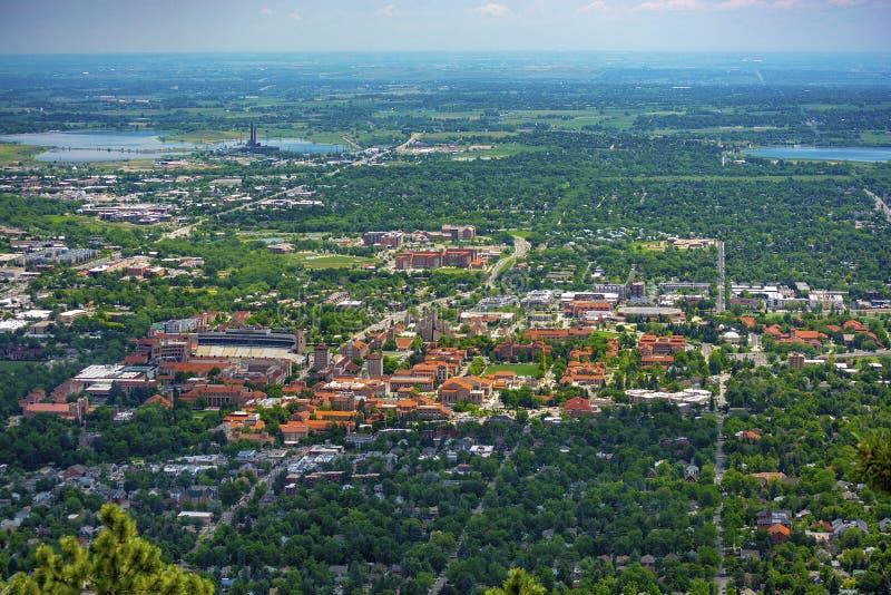 Universidad del campus de Colorado Boulder en Sunny Day imagen de archivo libre de regalías