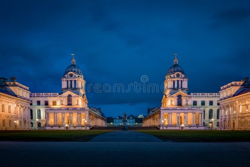 A universidade de Greenwich na noite fotos de stock royalty free