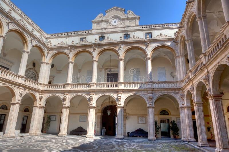 Universidade do pátio, Catania, Sicília, Itália fotografia de stock