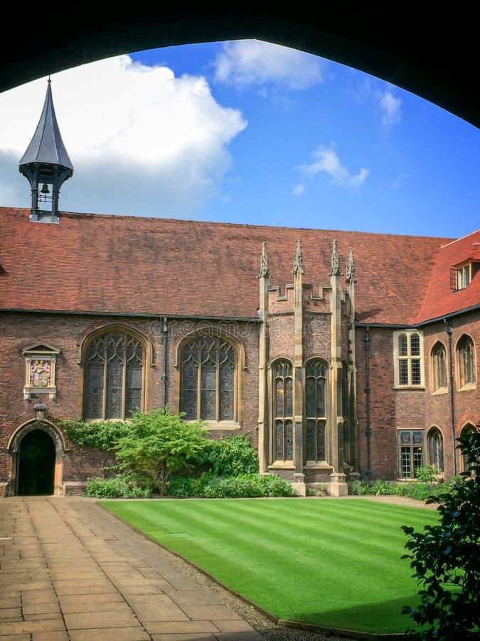 Università dell'istituto universitario del ` s della regina di Cambridge, a Cambridge Regno Unito fotografie stock libere da diritti