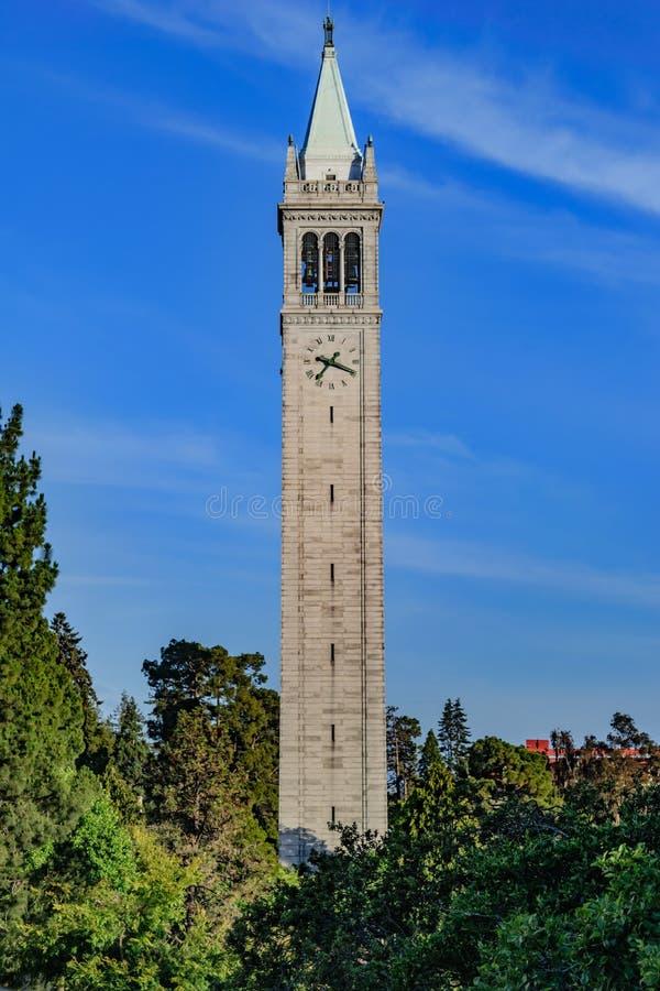 Università di California Berkeley Sather Tower immagini stock libere da diritti