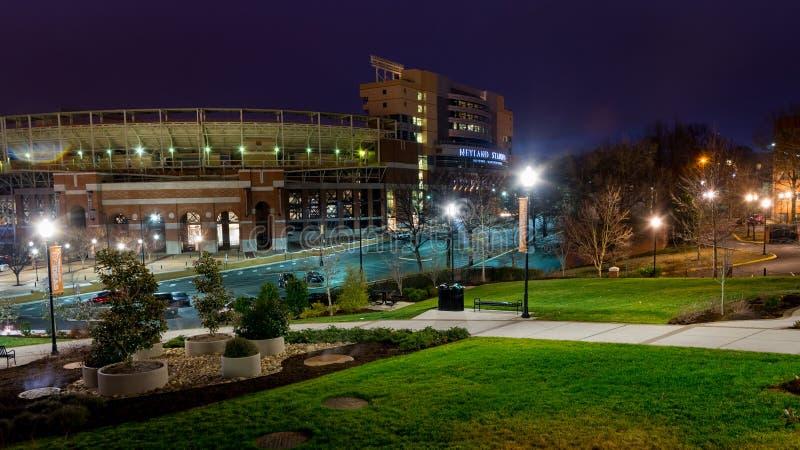 Università di stadio del volontario di Tennessee Knoxville alla notte fotografia stock libera da diritti