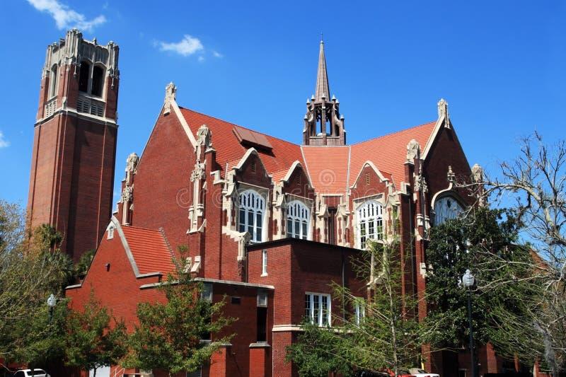 Universität des Florida-Auditoriums- und Jahrhundertkontrollturms stockbild
