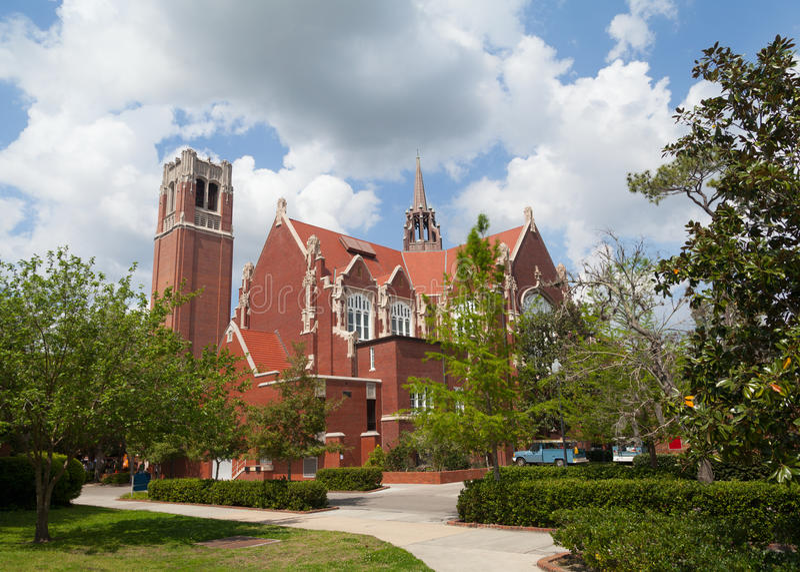 Universität des Florida-Auditoriums- und Jahrhundertkontrollturms stockbilder