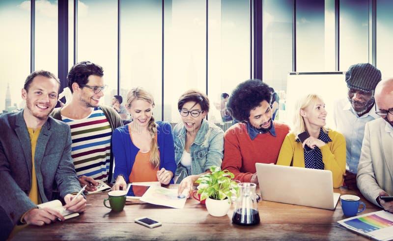 Université d'étudiants apprenant le concept de communication image stock