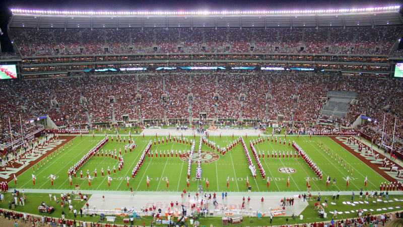 Université de l'Alabama million de bande du dollar pregame photo stock