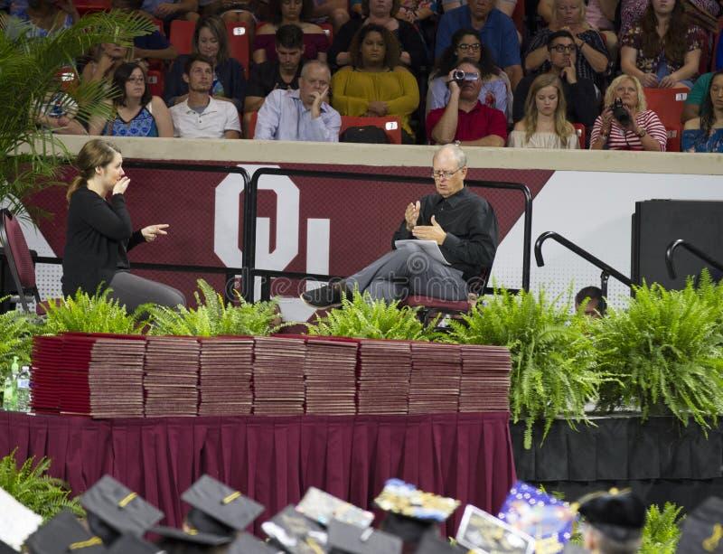 Université de l'Oklahoma Lloyd Noble Center, commencement photo stock