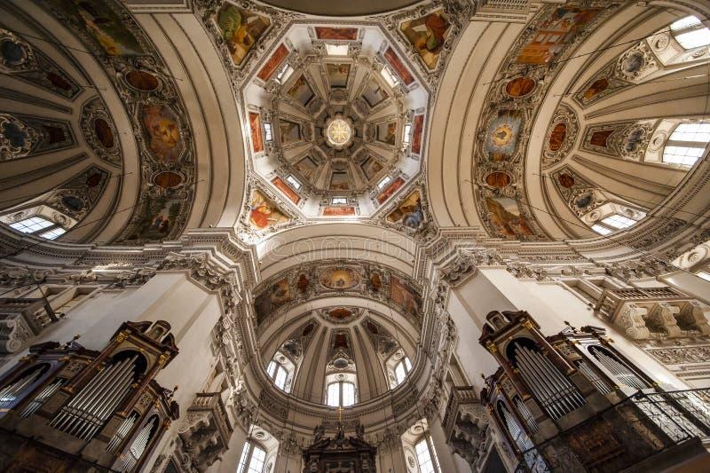 Universitaire Kerk in Salzburg, Oostenrijk royalty-vrije stock foto's