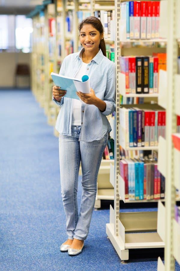Universitaire studentenbibliotheek royalty-vrije stock afbeeldingen